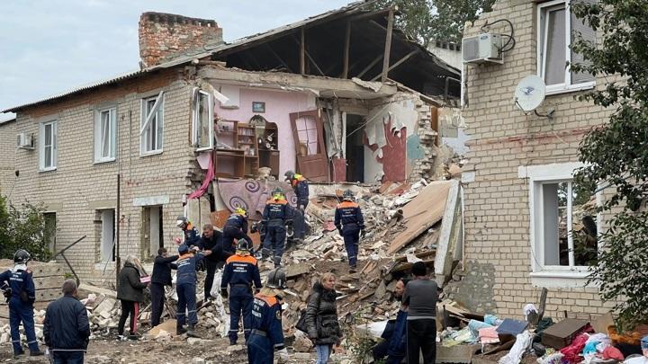 Взрыв газа в Ельце: пропавший мужчина сам пришел к спасателям