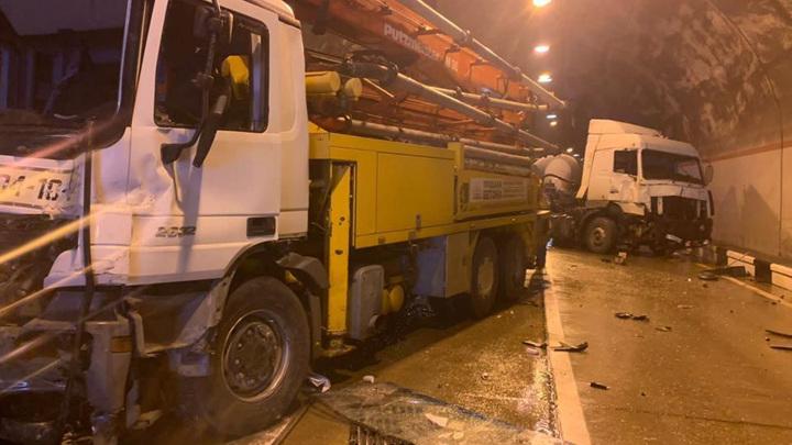Движение парализовано: в тоннеле Сочи произошла массовая авария
