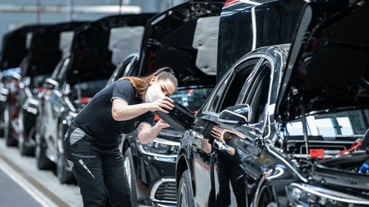 Экологи подали иски против BMW и Mercedes-Benz, чтобы автозаводы отказались от ДВС