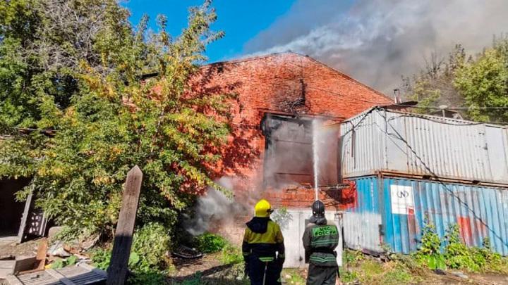 Пожар в Красноярске разрастается