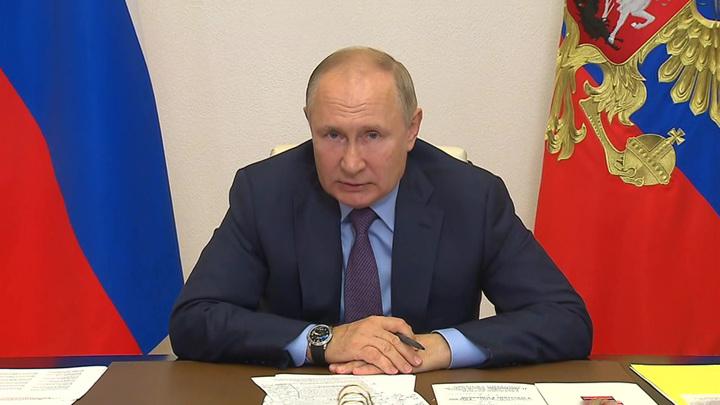 Путин провел встречу с губернатором и представителями Тульской области