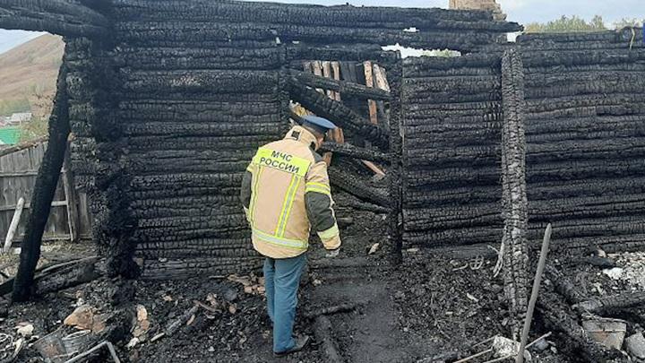 В башкирской деревне на месте пожара найдено тело 15-летнего подростка