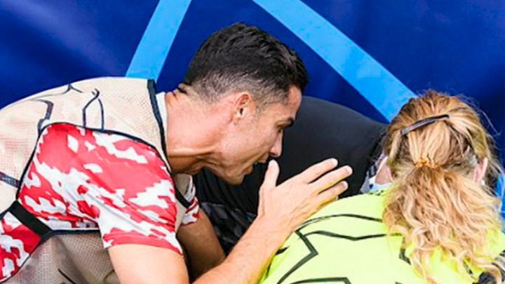 Роналду травмировал девушку-стюарда перед матчем Лиги чемпионов