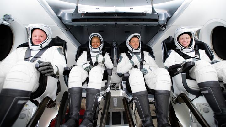 Все четыре члена экипажа миссии.