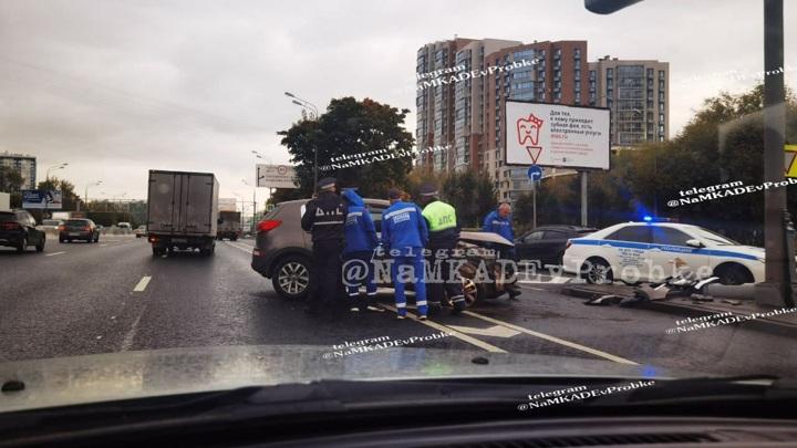 Мертвый водитель устроил аварию на юге Москвы
