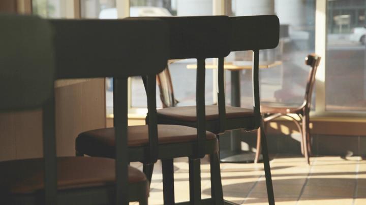 55-летний дебошир навел суету в мурманском баре