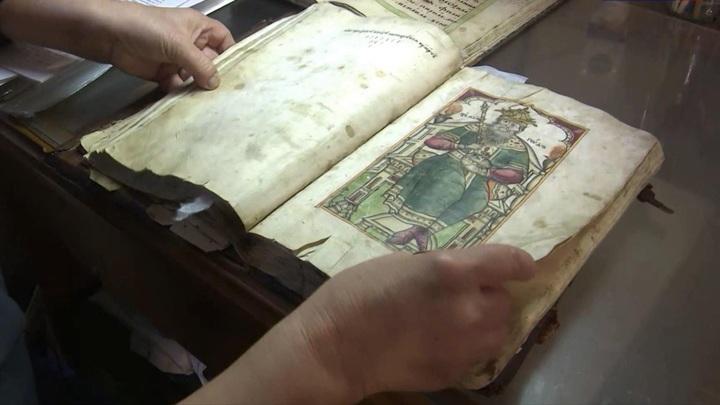Древние иконы из собрания Псково-Изборского музея-заповедника переезжают в новое фондохранилище