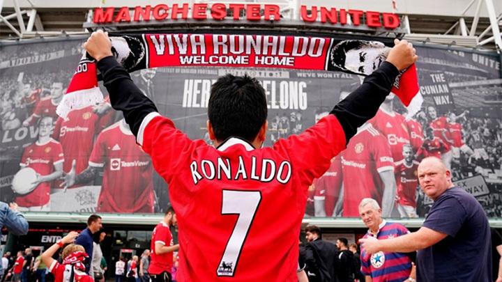 Продажи футболок Криштиану Роналду бьют рекорды в Англии