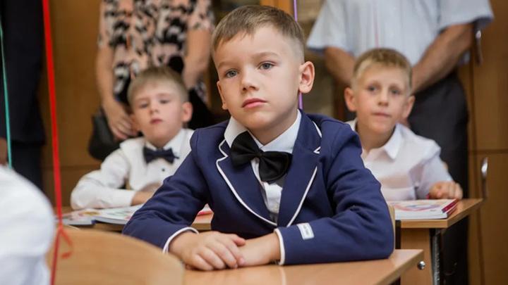 """Самарских школьников могут вывести на """"дистанционку"""""""