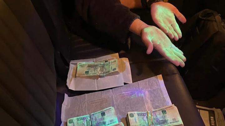 В Ростовской области арестовали причастных к контрабанде табака сотрудников ФТС