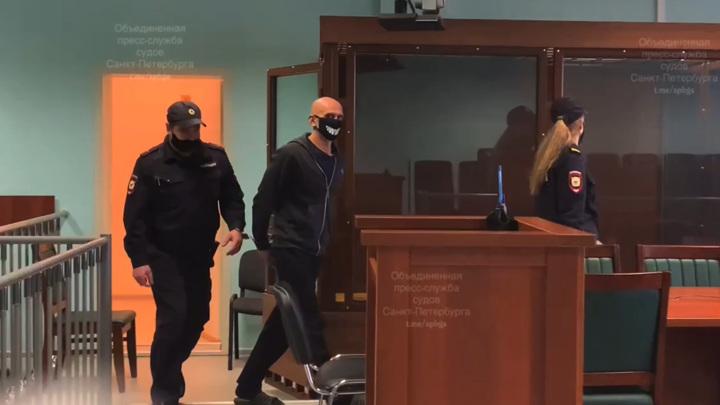 В Петербурге оглашен приговор пятерым черным риелторам, трое отпущены