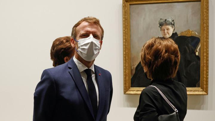 Президент Франции открыл в Париже российскую выставку коллекции Морозовых