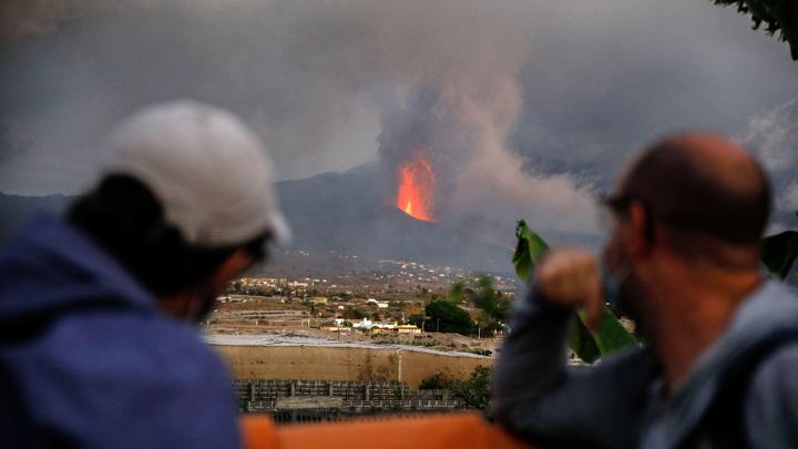На канарской Пальме идет эвакуация