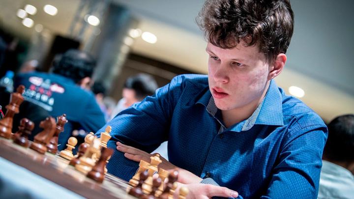Шахматы. Артемьев сыграет в финале Тура чемпионов