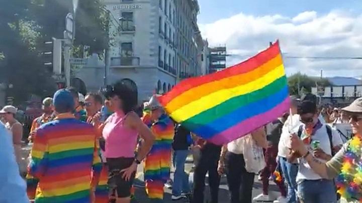 Швейцарцы проводят референдум о легализации однополых браков