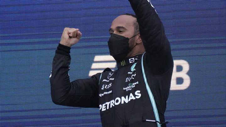 """Первый в истории: Хэмилтон одержал сотую победу на """"Формуле-1"""""""