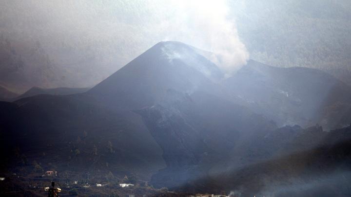 Канарский остров Пальма перетряхнуло извержением вулкана