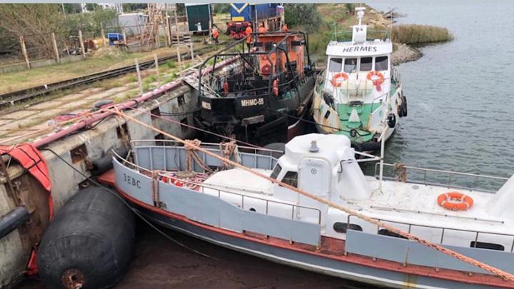 В Черном море зафиксирована утечка нефтепродуктов из танкера