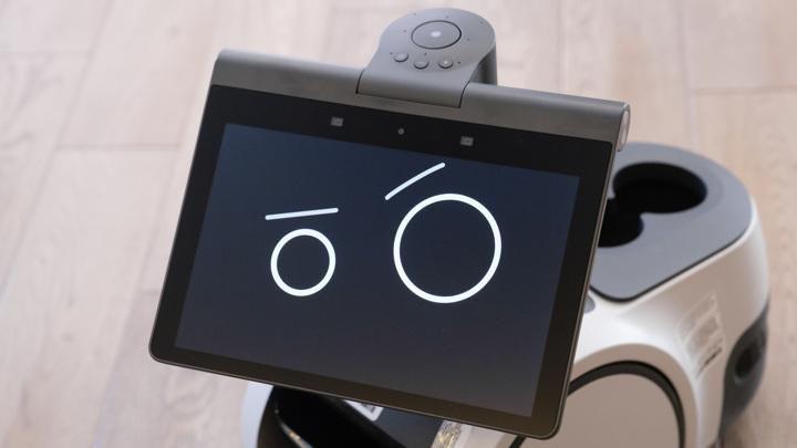 Amazon показала домашнего робота с дисплеем и смарт-колонкой