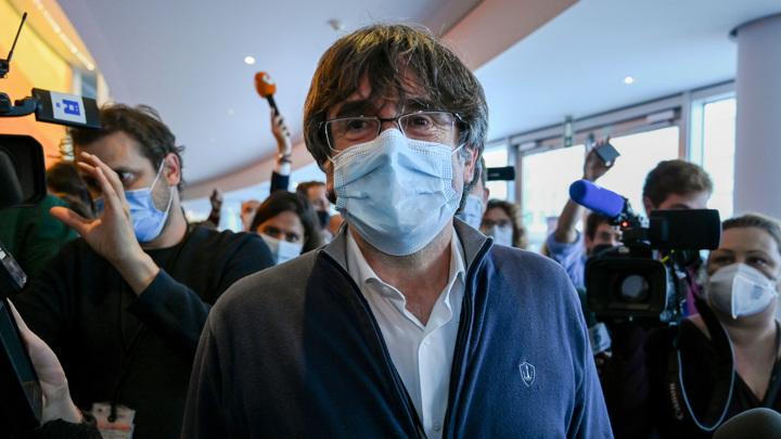 Пучдемон вернулся на Сардинию, чтобы предстать перед судом