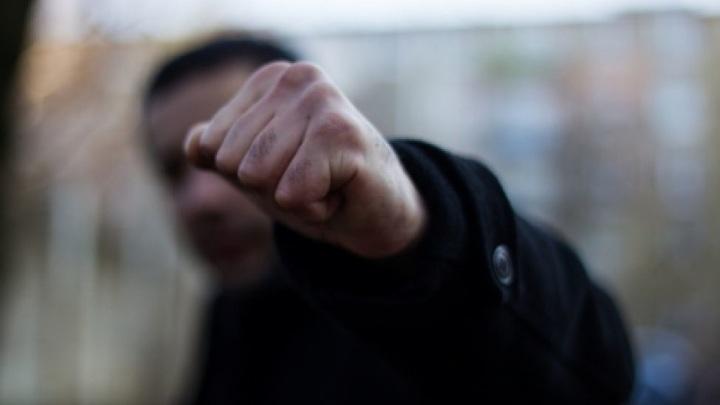 В Чебоксарах 14-летний подросток избил сверстника ради электронной сигареты