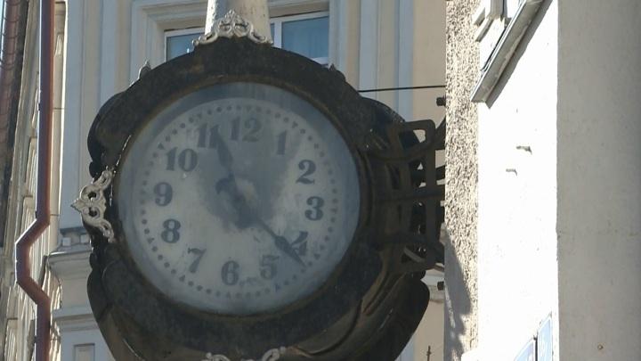 В Смоленске снова пошли самые знаменитые городские часы
