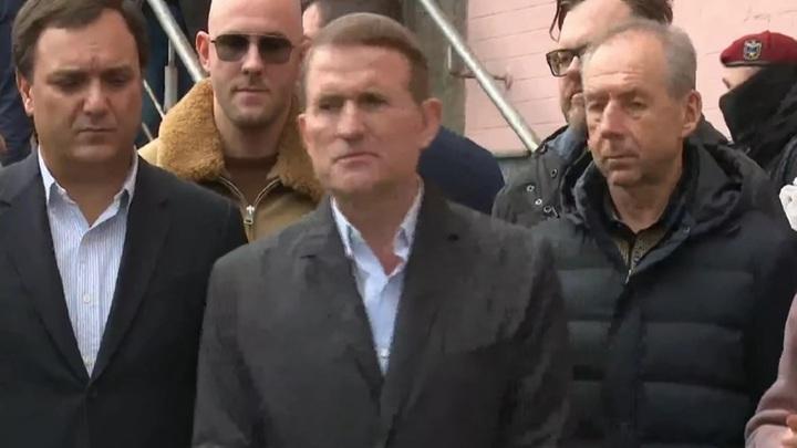 Медведчук заявил, что у него есть только украинский паспорт