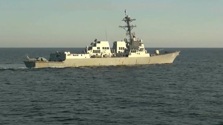 В России и США высказались по поводу случившегося с эсминцем Chafee