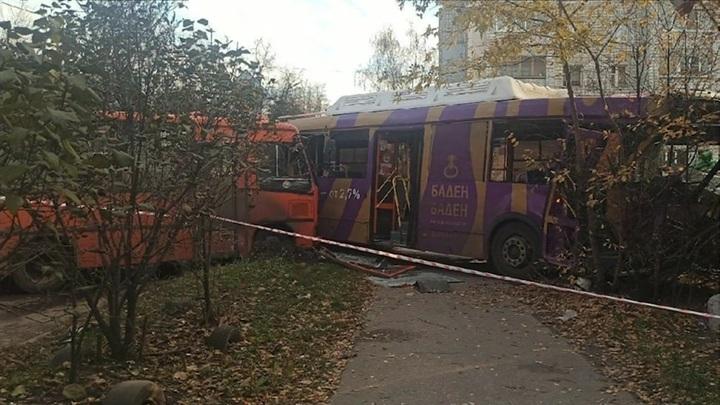 Глава нижегородского Облминздрава взял на контроль оказание помощи пострадавшим в ДТП