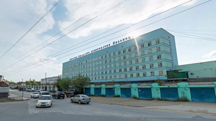 В якутском наркодиспансере пациент напал с ножом на соседей по палате