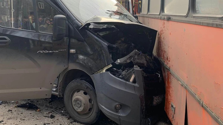 До 18увеличилось число пострадавших в аварии с рейсовыми автобусами и грузовиком в Нижнем Новгороде
