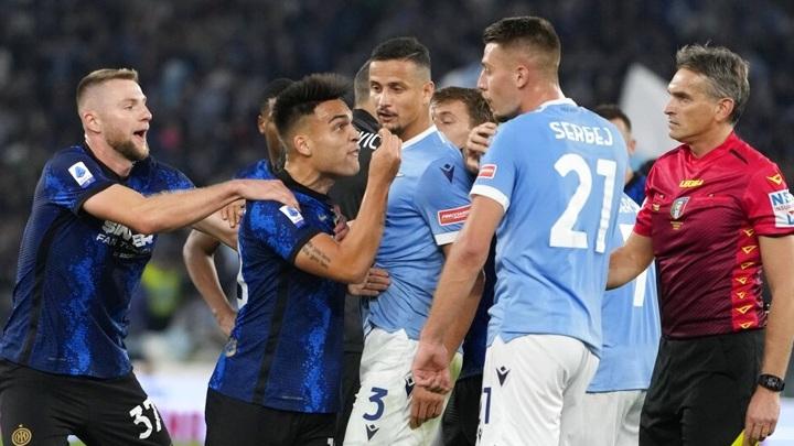 """""""Интер"""" потерпел первое поражение в сезоне, уступив """"Лацио"""""""