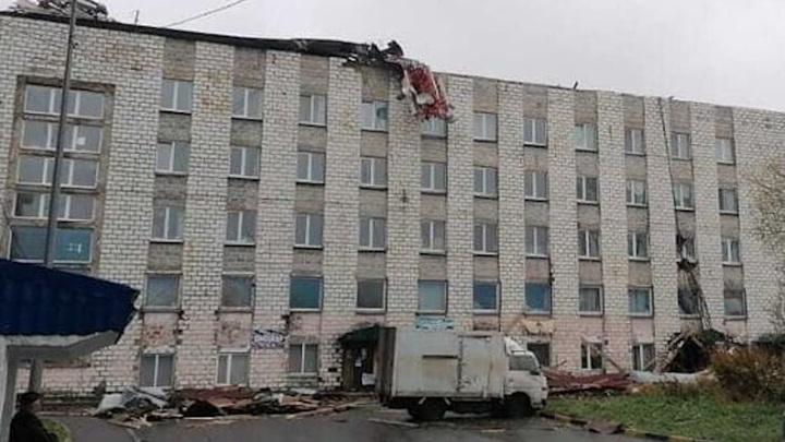 Жители пяти районах Сахалина остаются без света из-за урагана
