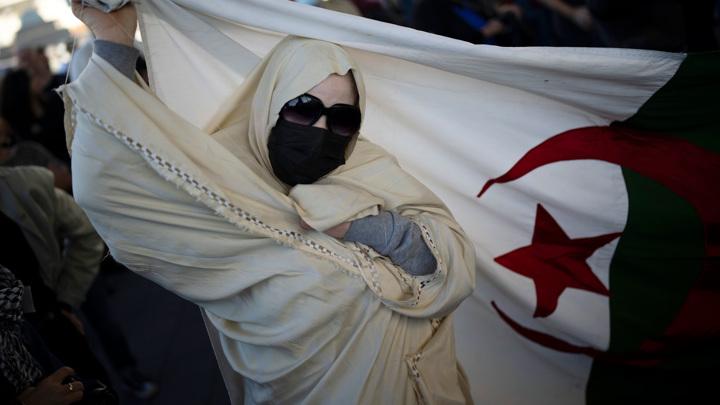 Франция признала вину в жестоком подавлении протестов 60-летней давности