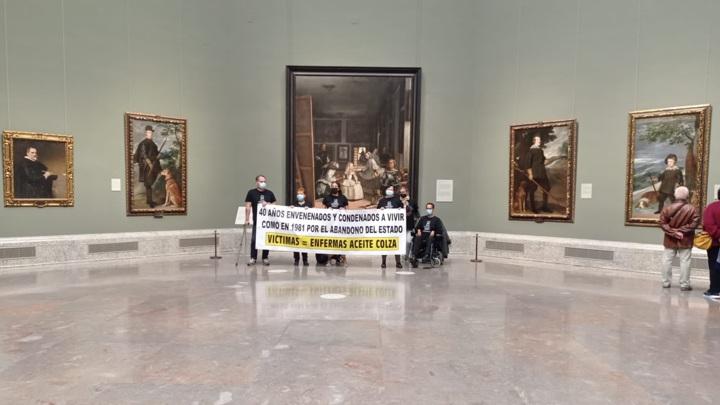 6 человек заняли один из залов музея Прадо в Риме и угрожают покончить с собой