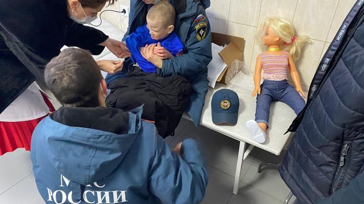 В Марий Эл курсанты спасли замерзающего ребенка