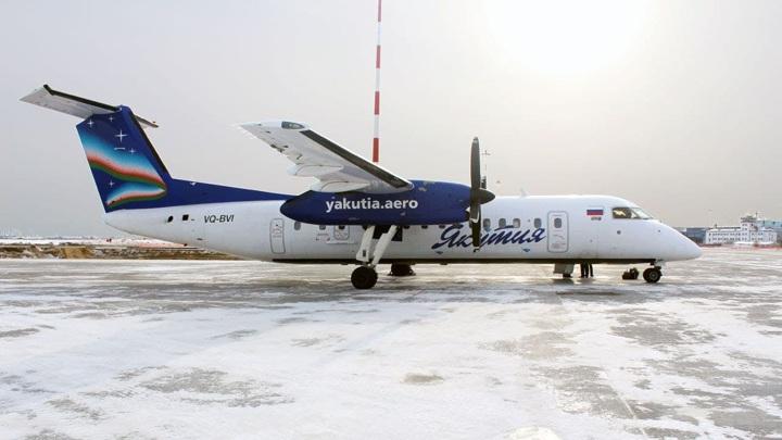 Самолет с вахтовыми работниками вынужденно сел в Якутии из-за неисправностей