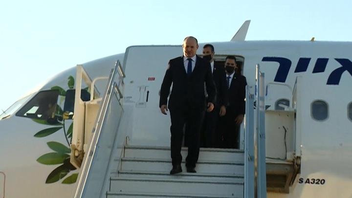 Премьер Израиля прилетел в Сочи для первых переговоров с Путиным