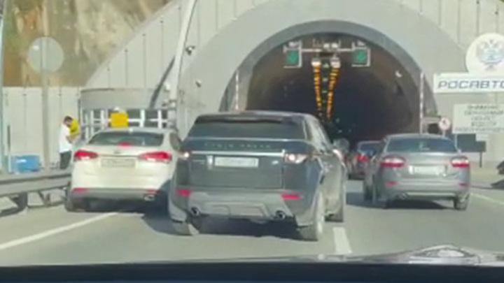 В Сочи столкнулись шесть автомобилей