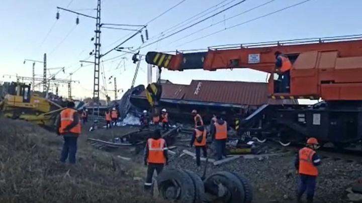 Скончался помощник машиниста поезда, протаранившего грузовик в Приамурье