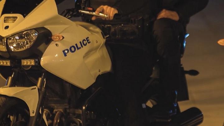 Угонщик сбил пять мотоциклов с полицейскими на западе Афин