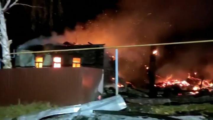 В Татарстане сгорели два жителя частного дома из-за неосторожного курения