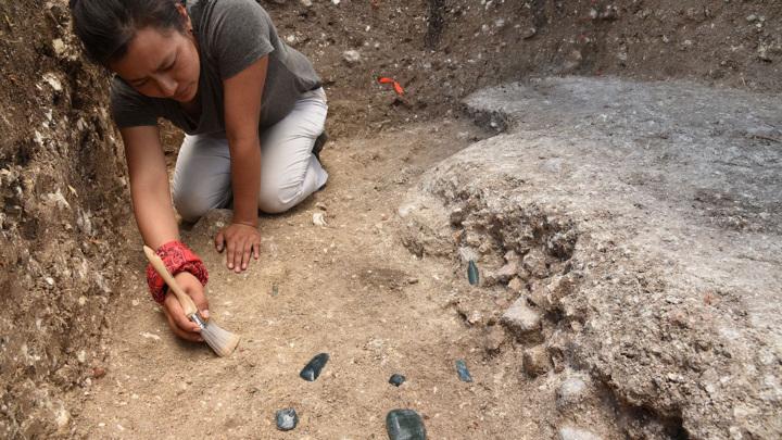 Соавтор исследования Мелина Гарсия (Melina Garcia) во время раскопок в Агуада-Феникс.