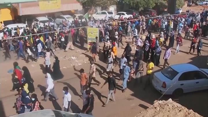 В Судане военные отпустили ранее задержанного премьера страны