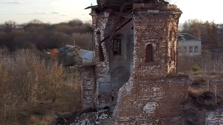 В рязанском селе обрушилась Богоявленская церковь 17 века