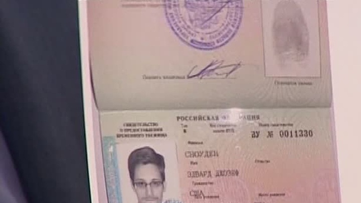 Кучерена выпустил Сноудена из транзитной зоны