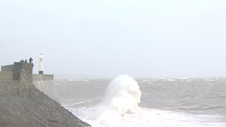 Ураган в Великобритании может помешать работе аэропорта Хитроу