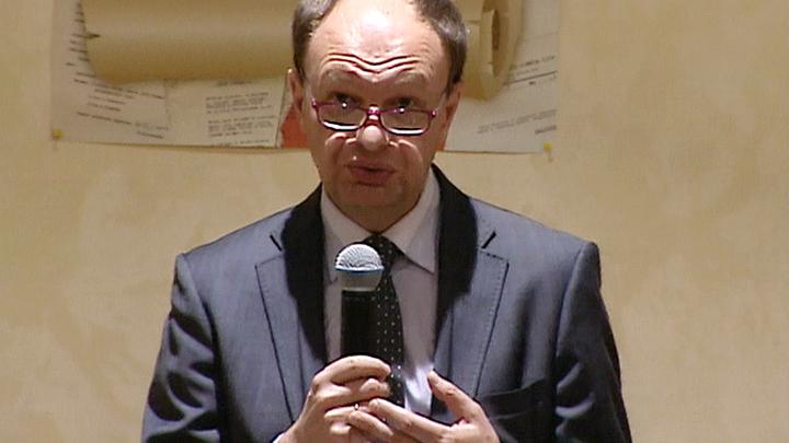 Архив поэта Алексея Суркова передан Литературному музею