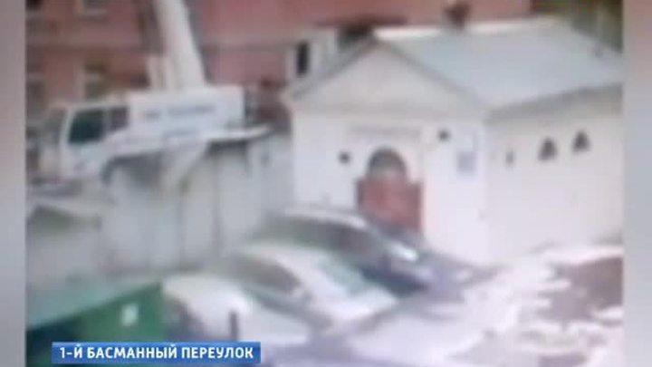 московские строители случайно окатили бетоном бентли известного продюсера