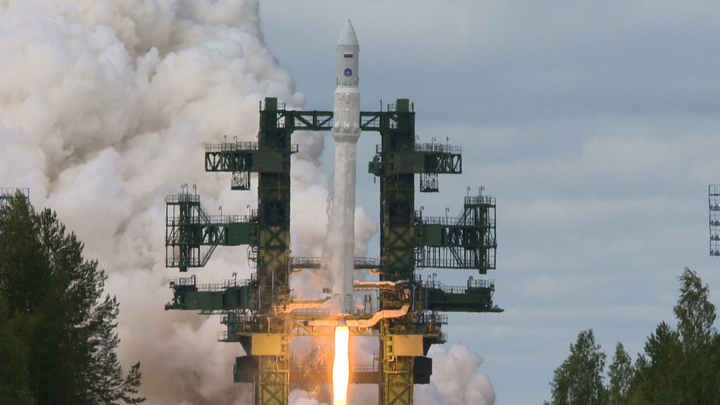 """Роскосмос хочет поскорее перейти с """"Протона"""" на """"Ангару"""""""